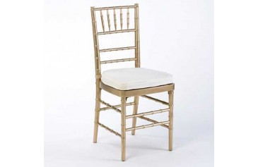 Natural Chiavari with Ivory Cushion